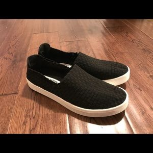 "Steve Madden ""EX"" Slip On Sneakers Sz 9"